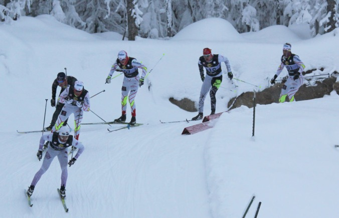 Dans le sprint masculin,  Simon Lapointe (no 310) et Raphaël Couturier (no 301) ont fini respectivement 6e  et 5e. «Raph» avait précédemment dominé la qualification. Leur pote Alexis Turgeon (qui n'apparaît pas sur la photo) s'est rendu en 1/4 de finale. Raphaël a aussi récolté une 19e place au 15 km patin./In the men's sprint, Simon Lapointe (no 310) and Raphaël Couturier (no 301) placed 6th and 5th respectively. «Raph» had previously posted the best qualifying time.  Their buddy Alexis Turgeon (not on the picture) made it to the quarterfinals. «Raph» also took part in the 15 km F where he placed 19th.