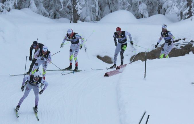 Dans le sprint masculin,  Simon Lapointe (no 310) et Raphaël Couturier (no 301) ont fini respectivement 6e  et 5e. «Raph» avait précédemment dominé la qualification. Leur pote Alexis Turgeon (qui n'apparaît pas sur la photo) s'est rendu en 1/4 de finale. Raphaël a aussi récolté une 19e place au 15 km patin./In the men's sprint, Simon Lapointe (no 310) and Raphaël Couturier (no 301) placed 6th and 5th respectively. «Raph» had previously posted the best qualifying time.  Their buddy Alexis Turgeon (not on the picture) made it to the quarterfinals. «Raph» also took part in the 15 km F where he placed 19th.