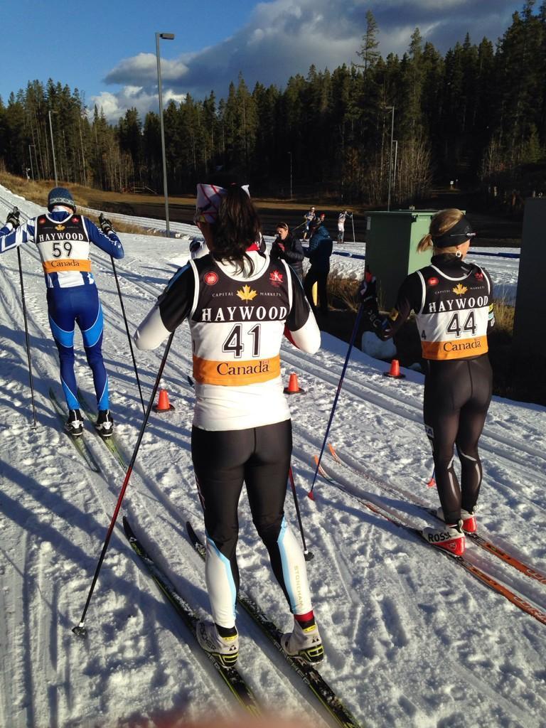 Kings court sprint style at Frozen Thunder: men and women are mixed! (photo: Twitter/CCC)/Format particulier au Frozen Thunder, où hommes et femmes skiaient en même temps! (photo: Twitter/Ski de fond Canada)
